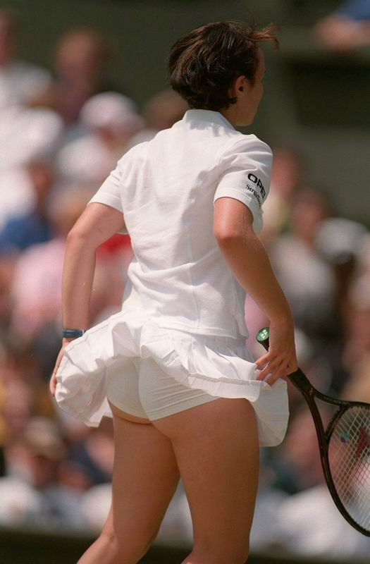 Nice white shorts of Martina Hingis